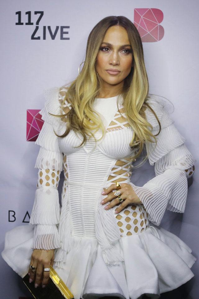 Jennifer Lopez bevállalta az év frizuráját! (fotó)
