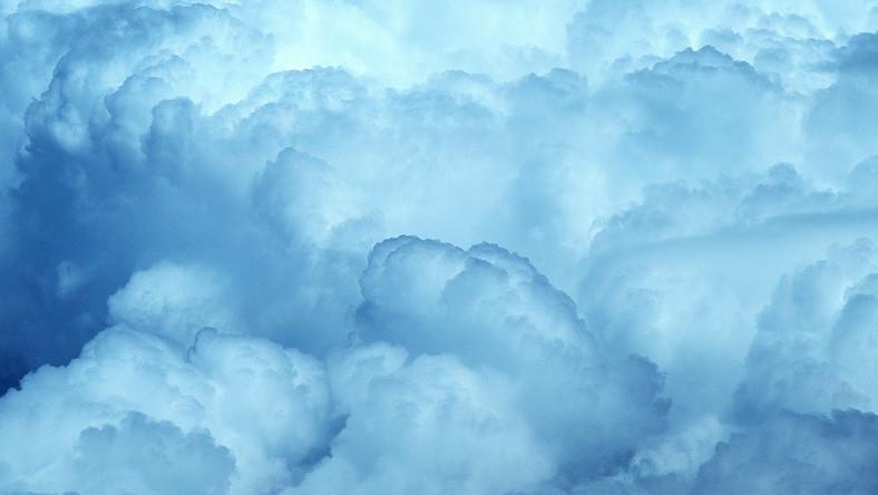 Atyaég, nézd mi fog hullani az égből a napokban. Ez a csapadék mindenkit ki fog akasztani