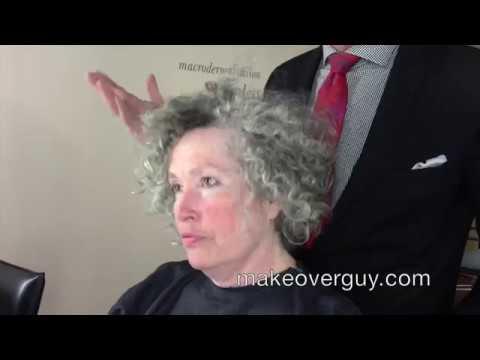 Rémesen érezte magát ezzel a szürke hajjal, rossz vágással, most 20 évvel fiatalabb lett ez az asszony