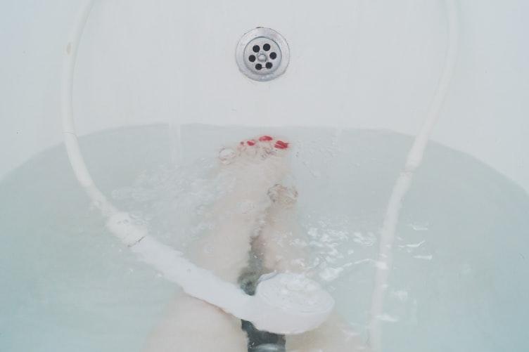 Ez a fürdő kezeli a test savasságát, a bőr problémáit, megszünteti az ízületi fájdalmakat és az izomgörcsöket