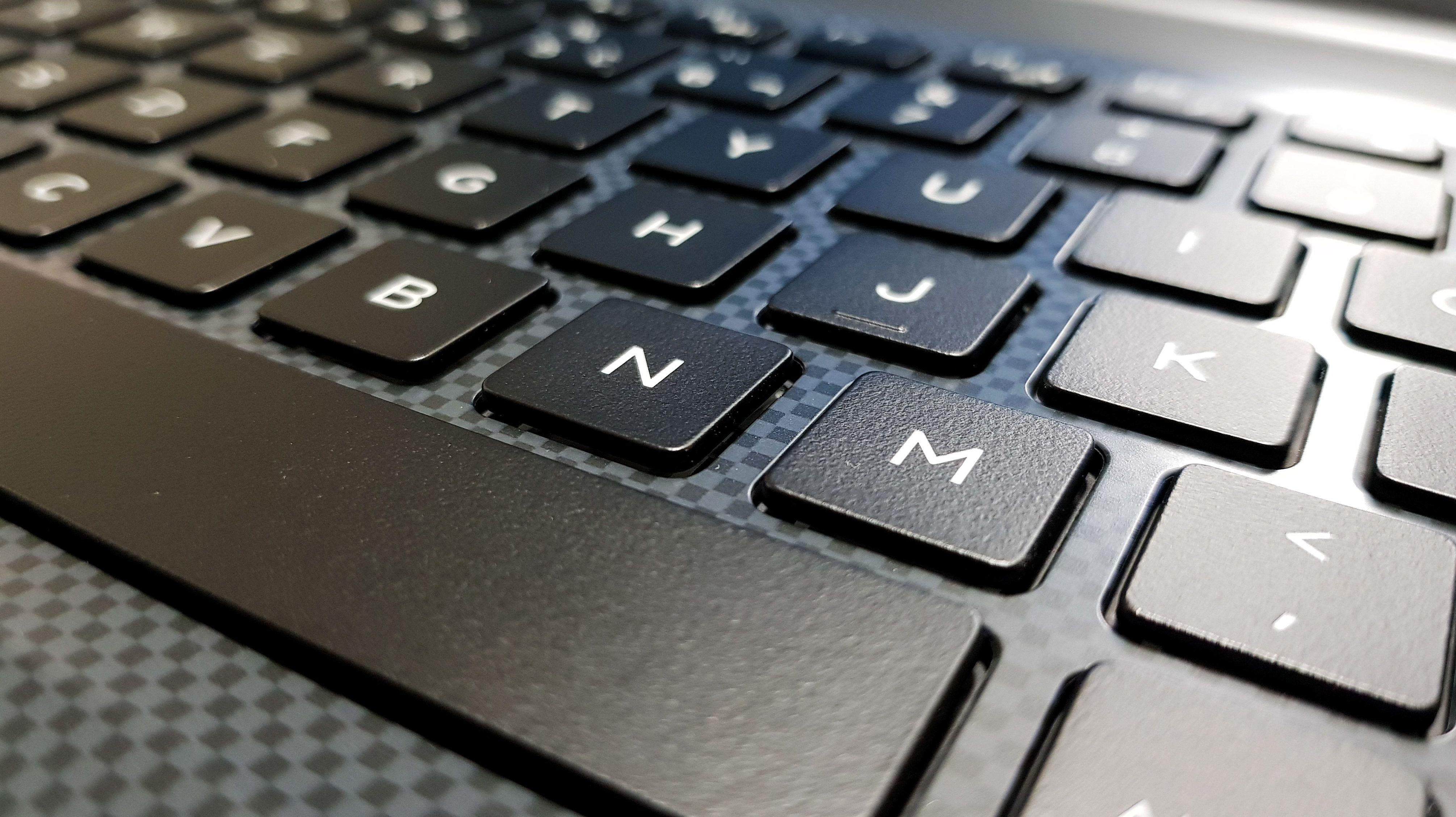 Két új billentyűt vezet be a Microsoft