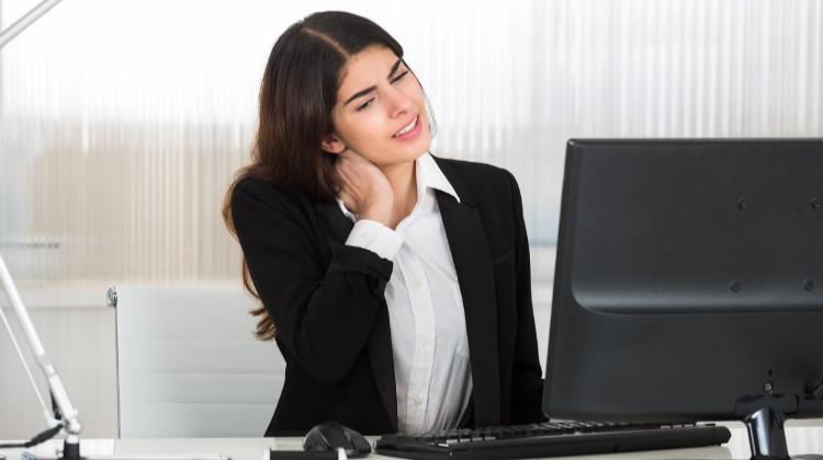 Fáj a nyaka? 7 tipp a fájdalom ellen