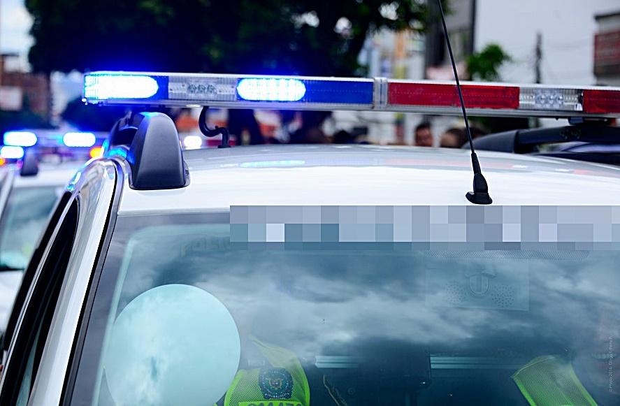 Késsel rabolt ki egy 10 éves fiú egy 13 éves lányt a 28-as villamoson