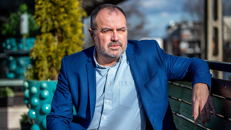 Már világszerte körözik a budapesti vizes vb gazdasági igazgatóját