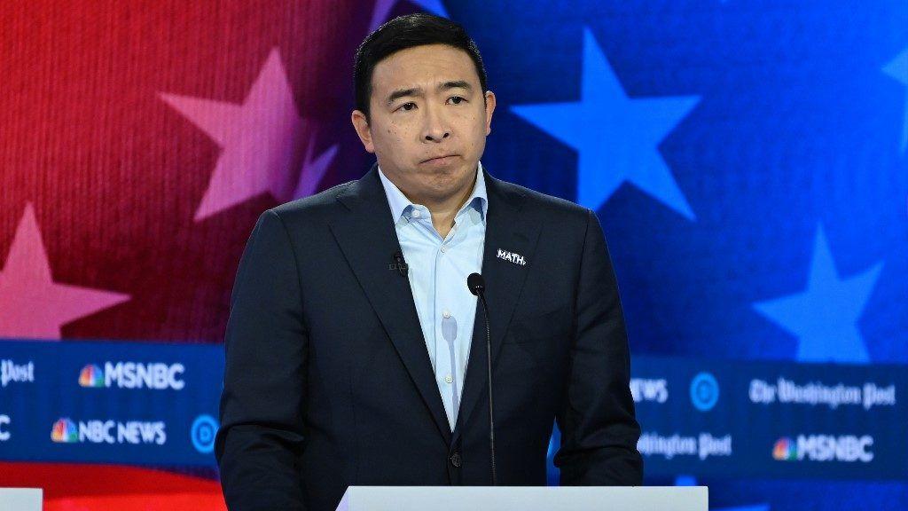 Két demokrata jelölt feladta a választást
