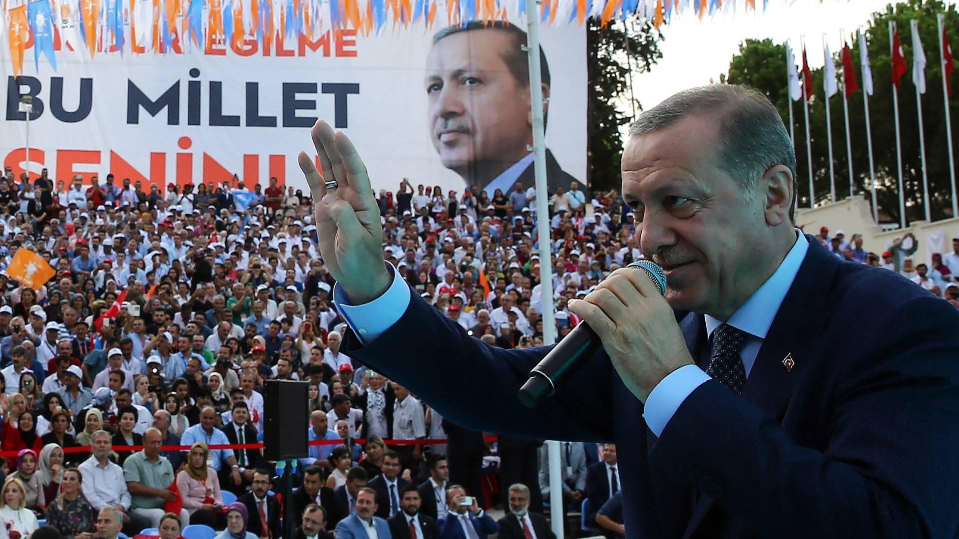 Erdogan beperelte az ellenzék vezetőjét