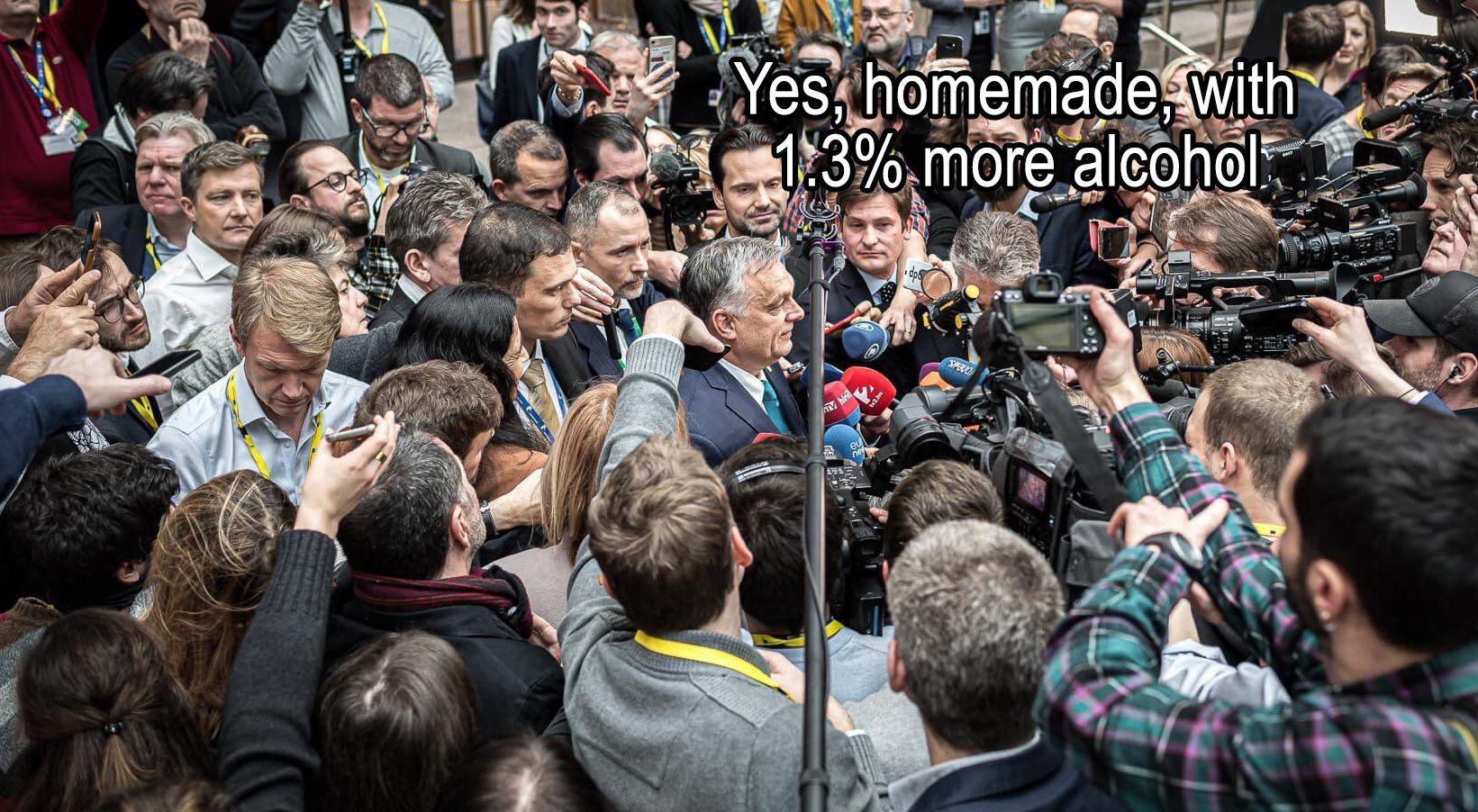 Orbán képén nevet az EU legviccesebb mémoldala