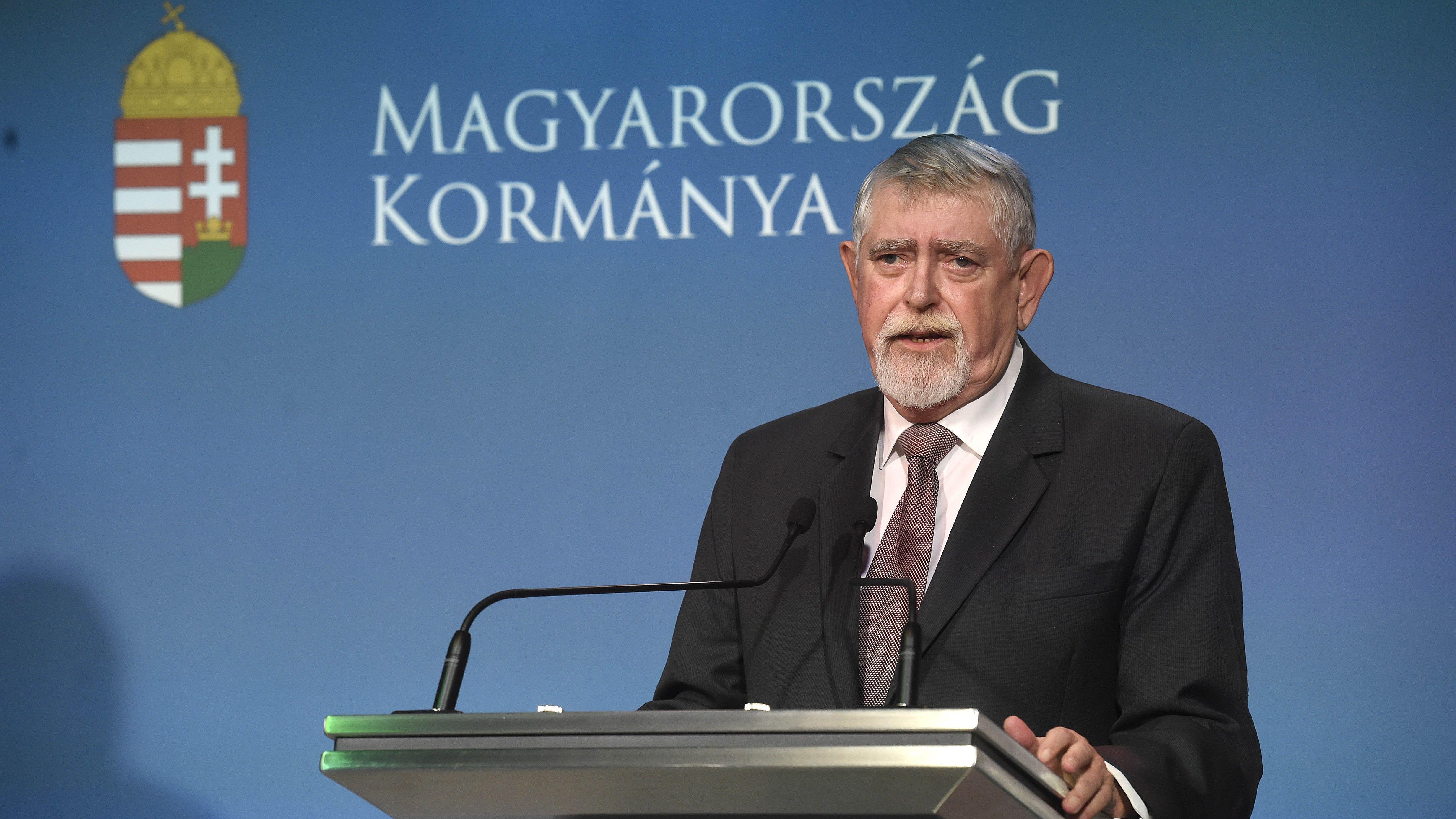 EMMI: most nem politikai pamfletekre, hanem együttműködésre van szükség