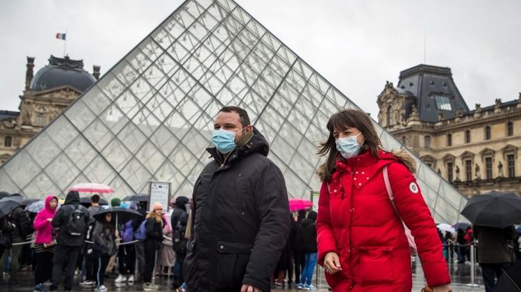 Franciaországban is durvul a koronavírus-járvány
